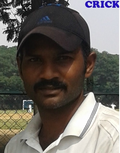 R ARUNPRASATH (11 STAR CRICKET CLUB SENDURAI)